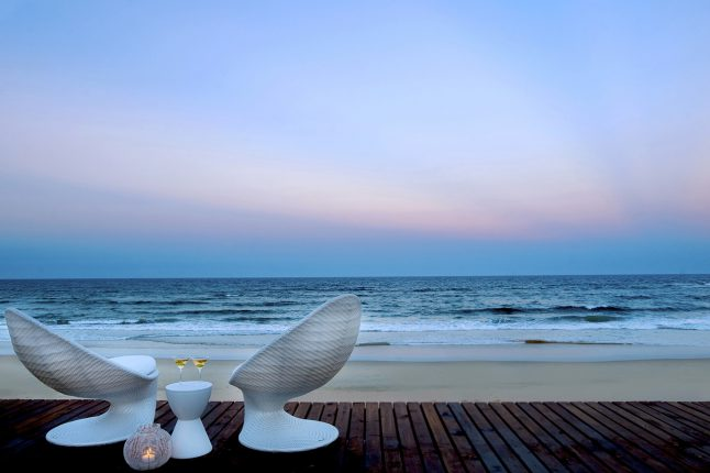 honeymoon-and-romance-trip-type_beach